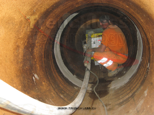 The lining machine while working inside a DN1200 steel water main.
